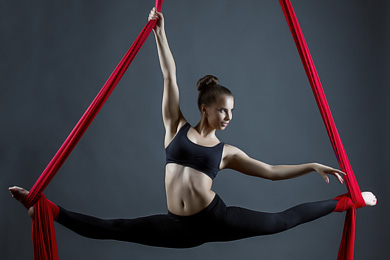 Pole Dance Kurse - Aerial Silk - Berlin